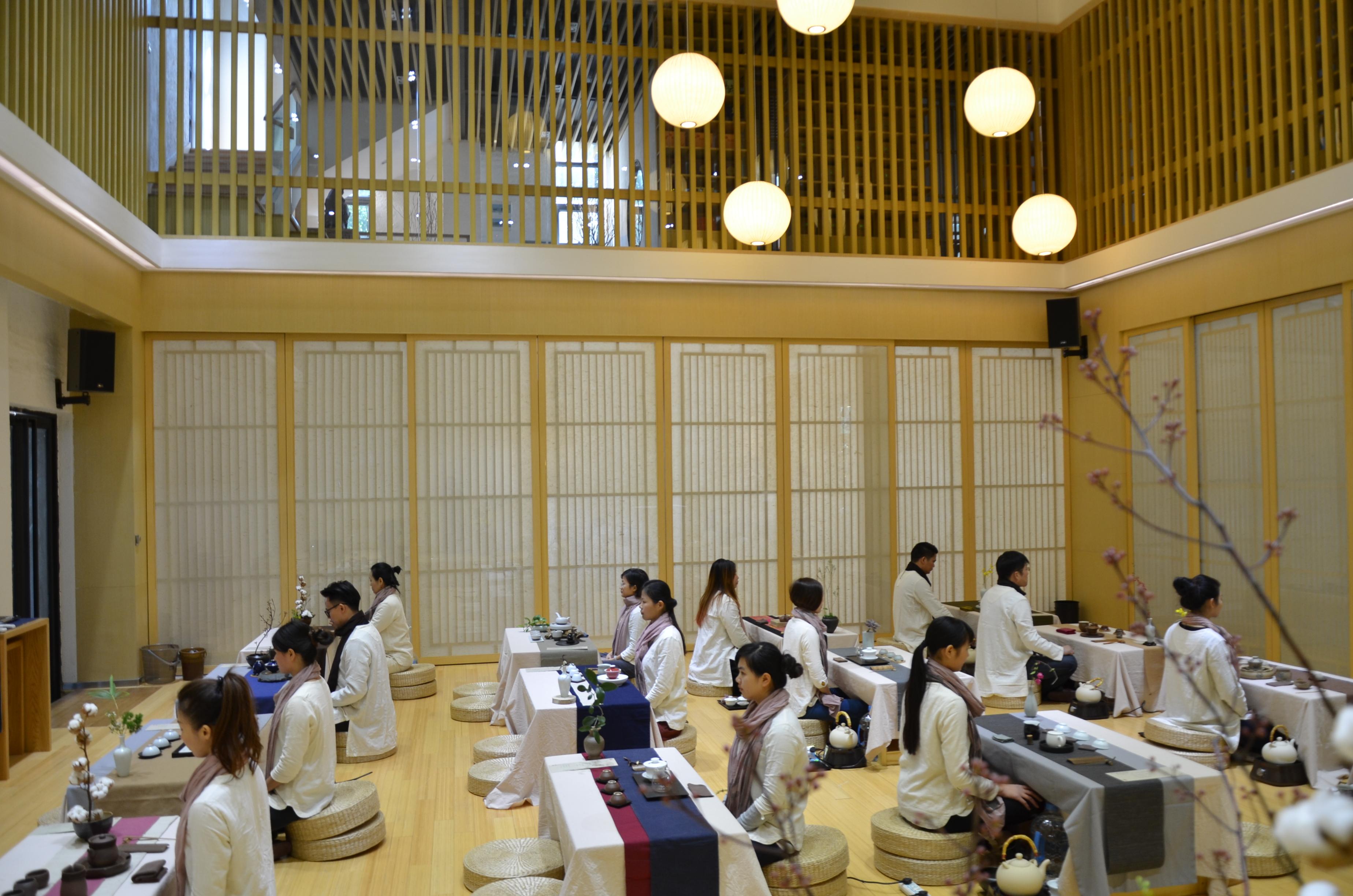职业茶道三阶课程《茶席设计与茶会实务》在广州大益茶道艺术中心开班